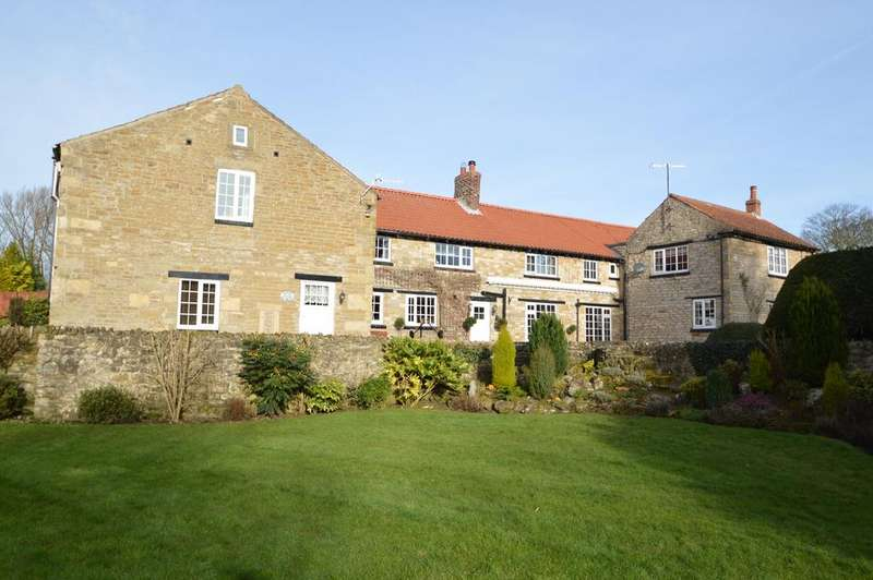 6 Bedrooms Farm House Character Property for sale in Carr Lane, East Ayton, Scarborough YO13