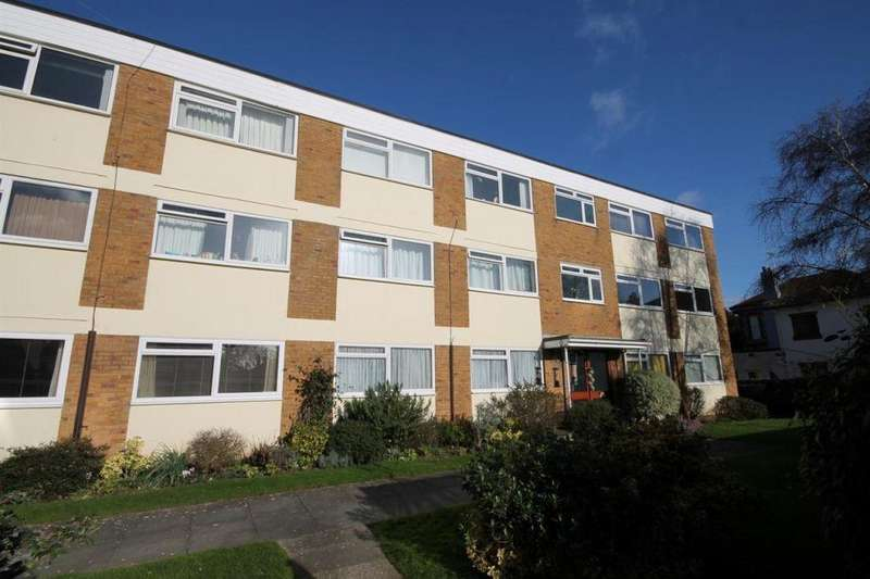 2 Bedrooms Flat for sale in Wye House,Downview Road, West Worthing BN11 4QS