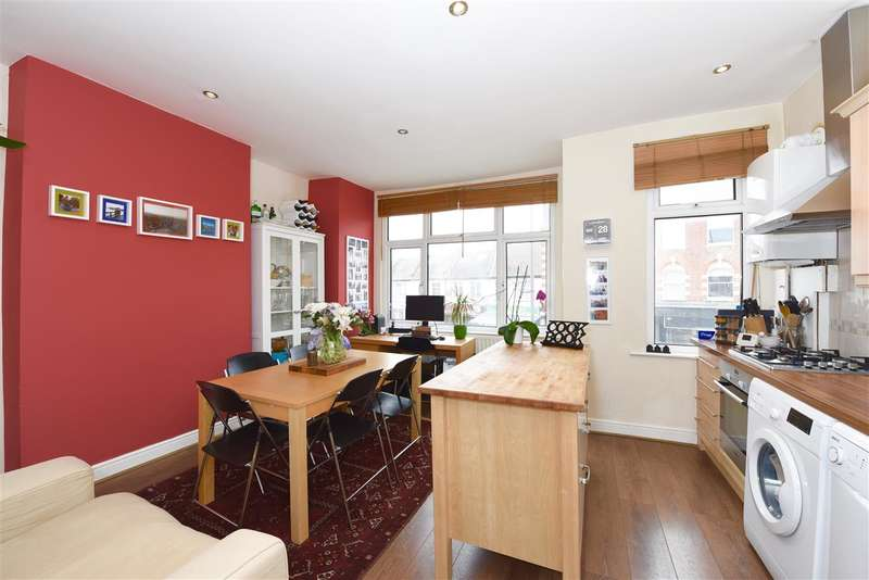 3 Bedrooms Apartment Flat for sale in Durnsford Road, Wimbledon Park
