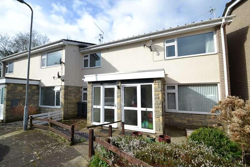 2 Bedrooms Maisonette Flat for sale in Felin Wen , Rhiwbina, Cardiff. CF14 6NW