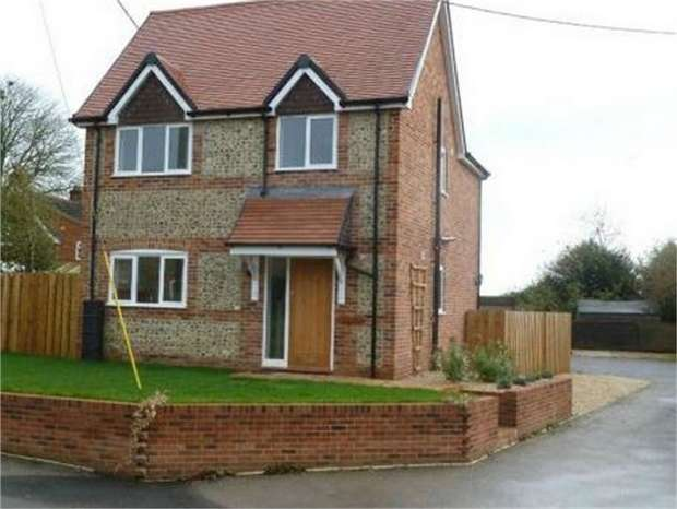 3 Bedrooms Detached House for sale in Aldbourne Road, Baydon, Marlborough, Wiltshire