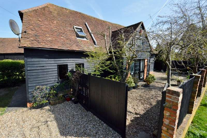 4 Bedrooms Barn Conversion Character Property for sale in Lye Green Road, Chesham, HP5
