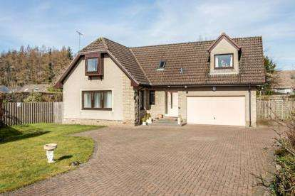 4 Bedrooms Detached House for sale in Commander's Grove, Braco