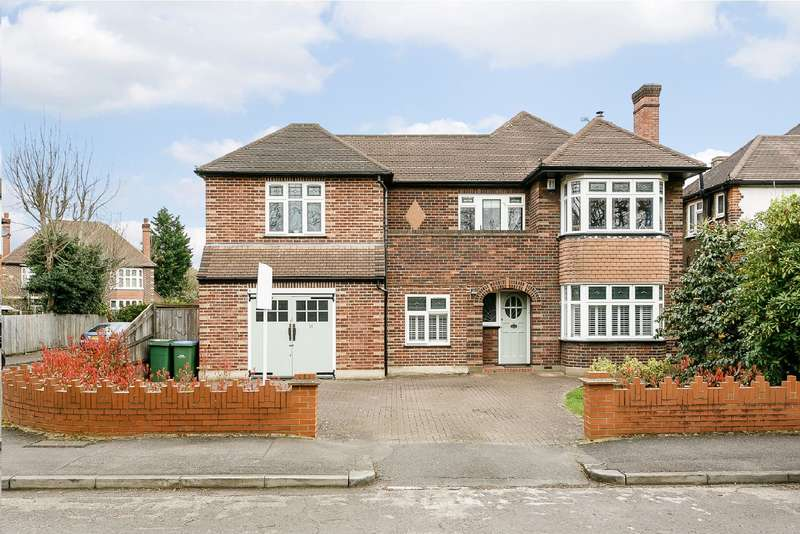 5 Bedrooms Detached House for sale in Hinchley Wood