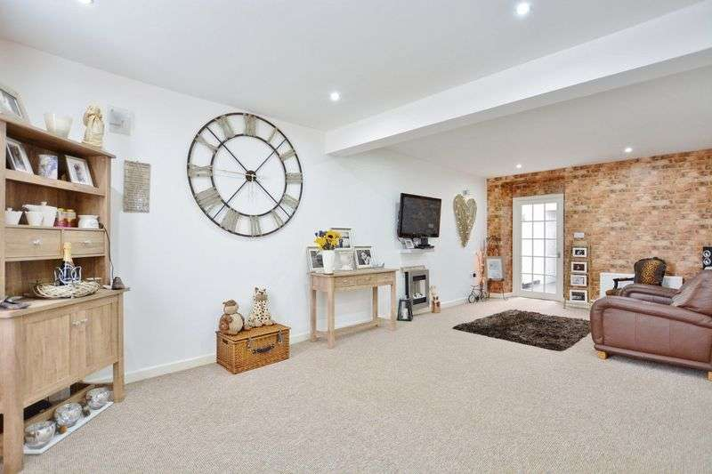 3 Bedrooms Terraced House for sale in Ennerdale Road, Cleator Moor