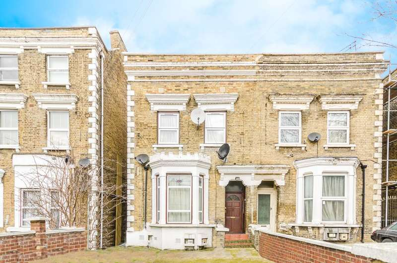 2 Bedrooms Flat for sale in Hainault Road, Upper Leytonstone, E11