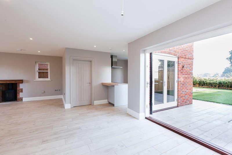 3 Bedrooms Semi Detached House for sale in Deer Cottage, Yew Tree Courtyard, Nuneham Courtenay