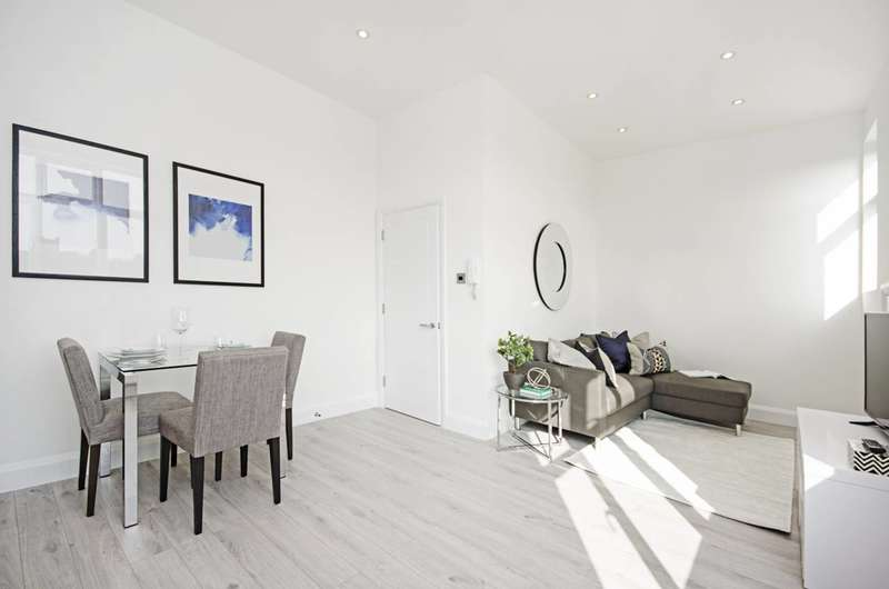 1 Bedroom Flat for sale in Clifton Gardens, Temple Fortune, NW11