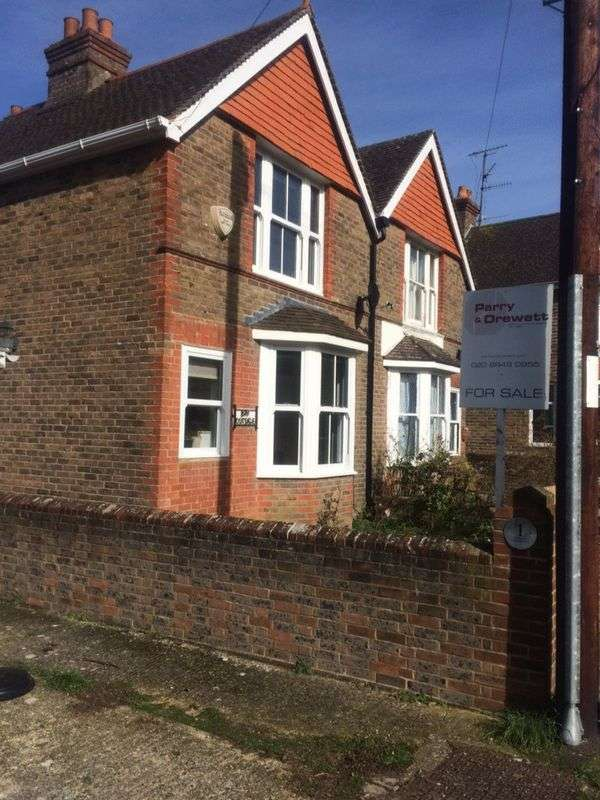 3 Bedrooms Semi Detached House for sale in Southview Road, Worthing