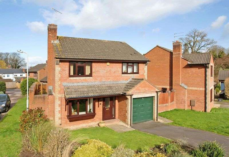 4 Bedrooms Detached House for sale in Gillards Close, Wellington