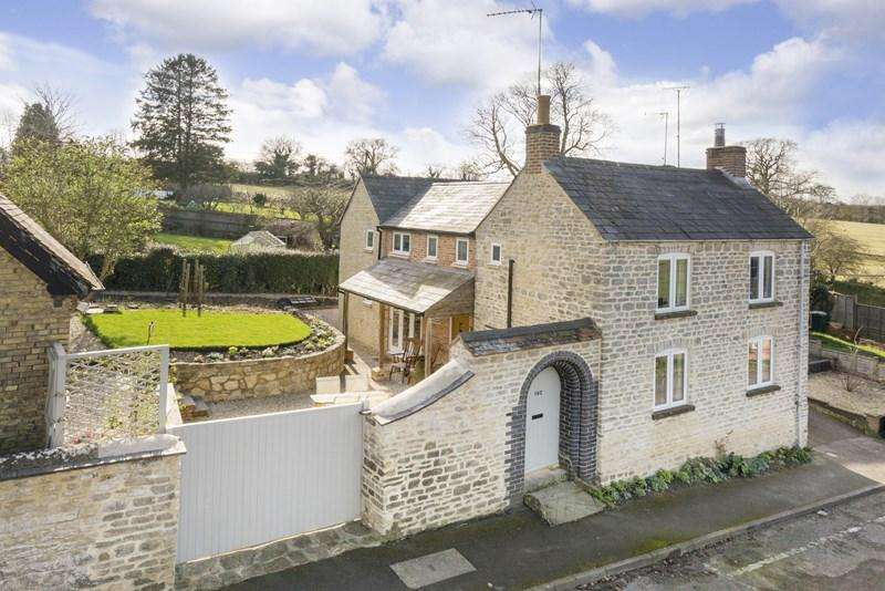 4 Bedrooms Cottage House for sale in Freehold Street, Lower Heyford, Bicester
