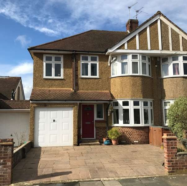 5 Bedrooms Semi Detached House for sale in Chester Avenue, Twickenham, Middlesex, TW2