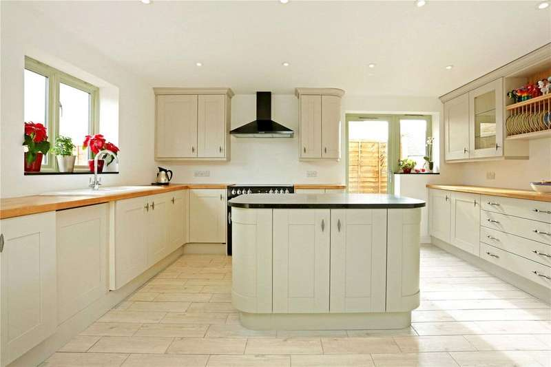 4 Bedrooms Detached House for sale in Noble Street, Malmesbury, Wiltshire