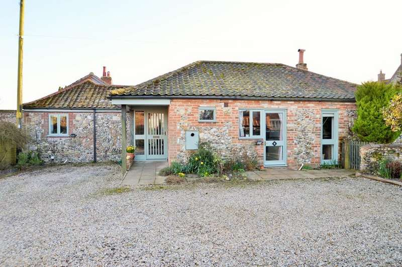 3 Bedrooms Barn Conversion Character Property for sale in Binham