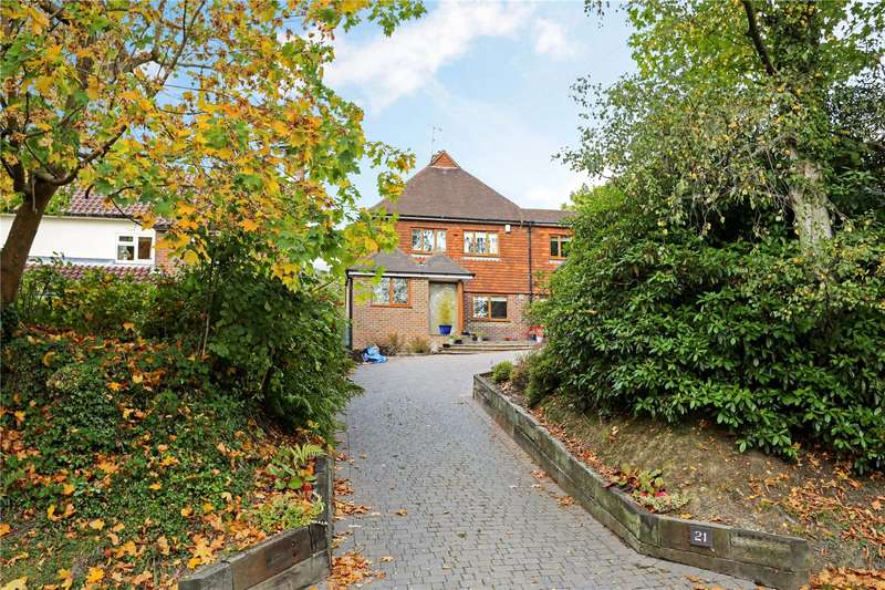 4 Bedrooms Detached House for sale in Gander Hill, Haywards Heath, West Sussex, RH16