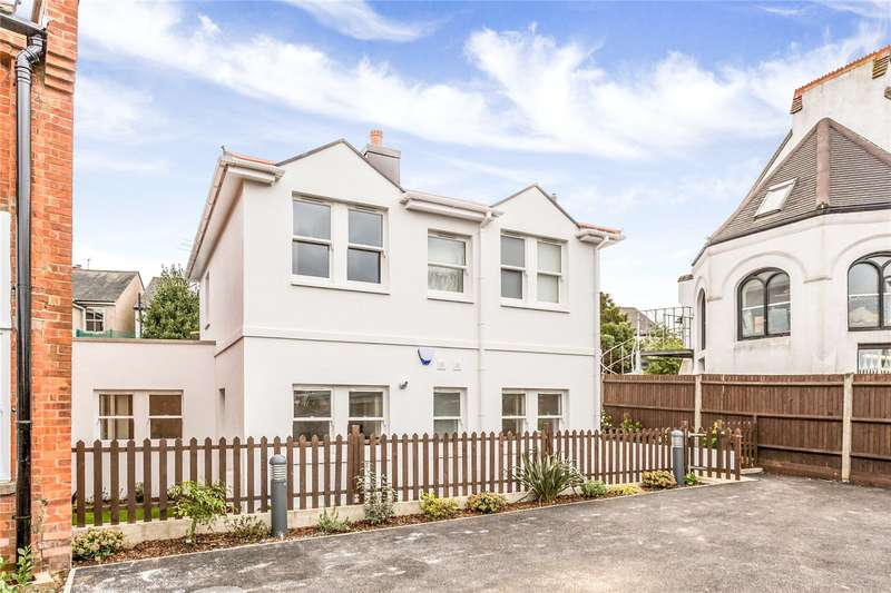 3 Bedrooms Detached House for sale in Plot 5 Former Police Station, Sparrows Herne, Bushey, Hertfordshire, WD23