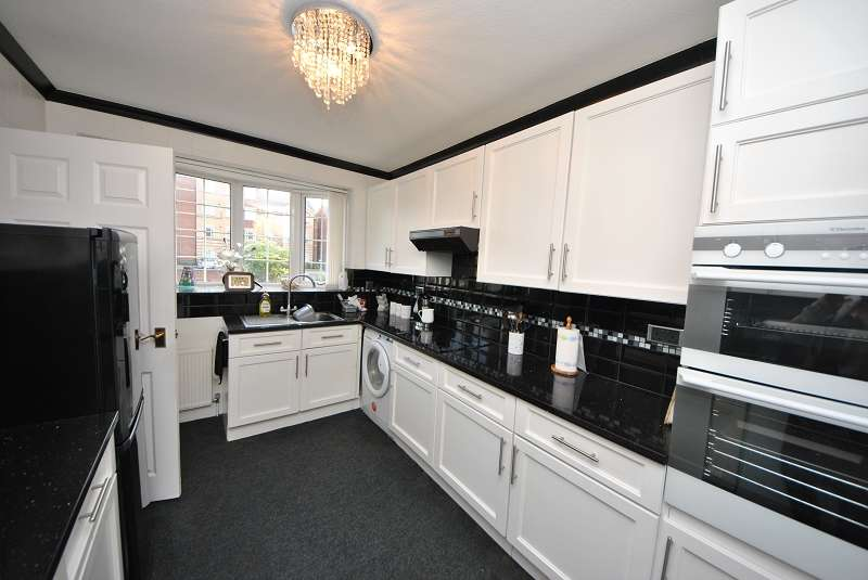 3 Bedrooms Semi Detached House for sale in 3 Alexandra Mews, Southport, Merseyside. PR9 9JH