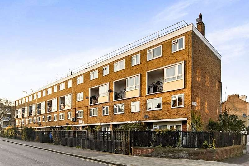 4 Bedrooms Flat for sale in St. Matthew's Road, London, SW2