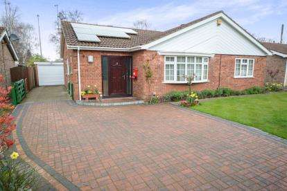 3 Bedrooms Bungalow for sale in Malham Drive, Lincoln, Lincolnshire
