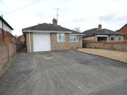 4 Bedrooms Bungalow for sale in Durrington, Salisbury, Wiltshire