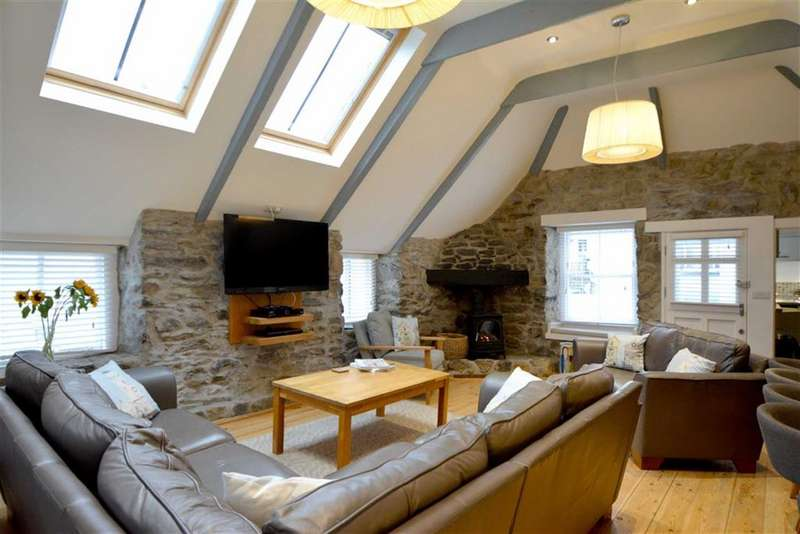 4 Bedrooms Semi Detached House for sale in St Peters Street, St Ives