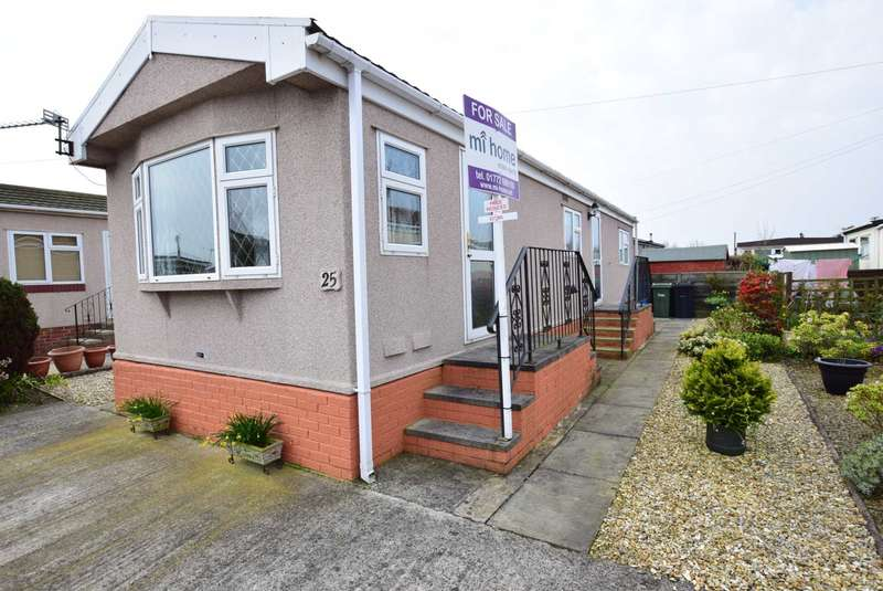 2 Bedrooms Park Home Mobile Home for sale in Lynwood Park, Preston