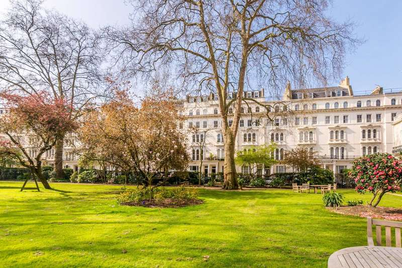 3 Bedrooms Flat for sale in Kensington Gardens Square, Westbourne Grove, W2