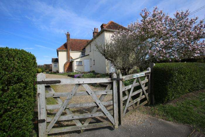 5 Bedrooms Detached House for sale in CHELMSFORD ROAD, HIGH ONGAR CM5
