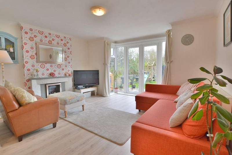 3 Bedrooms Detached House for sale in Hendford Road, Bournemouth