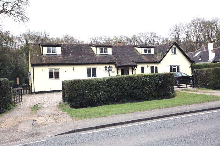 5 Bedrooms House for sale in EPPING ROAD, NORTH WEALD CM16