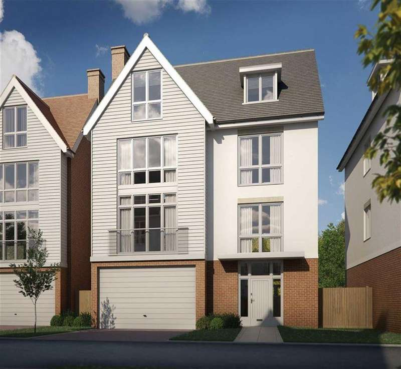 4 Bedrooms Detached House for sale in Rememberance Avenue, Burnham-on-Crouch, Essex