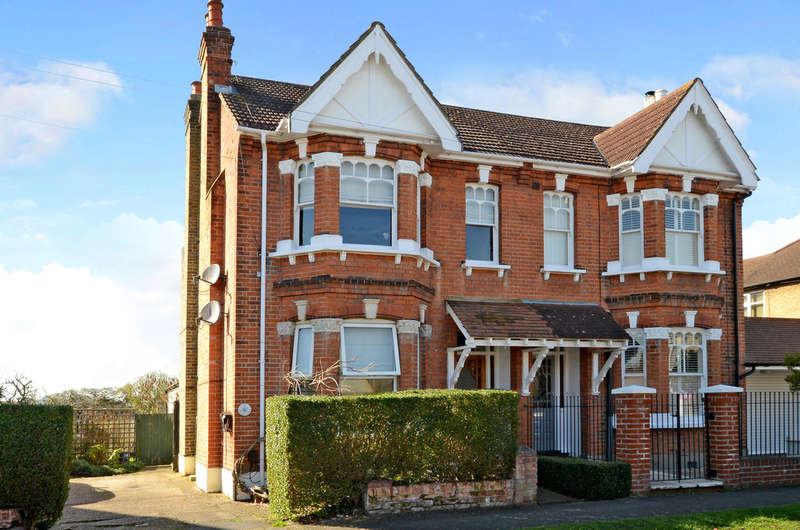 2 Bedrooms Detached House for sale in Staines-upon-Thames, Surrey