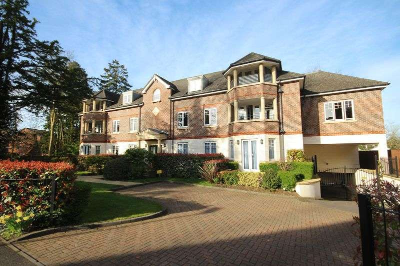 2 Bedrooms Flat for sale in Sambrook Court, Westfield Park, HATCH END