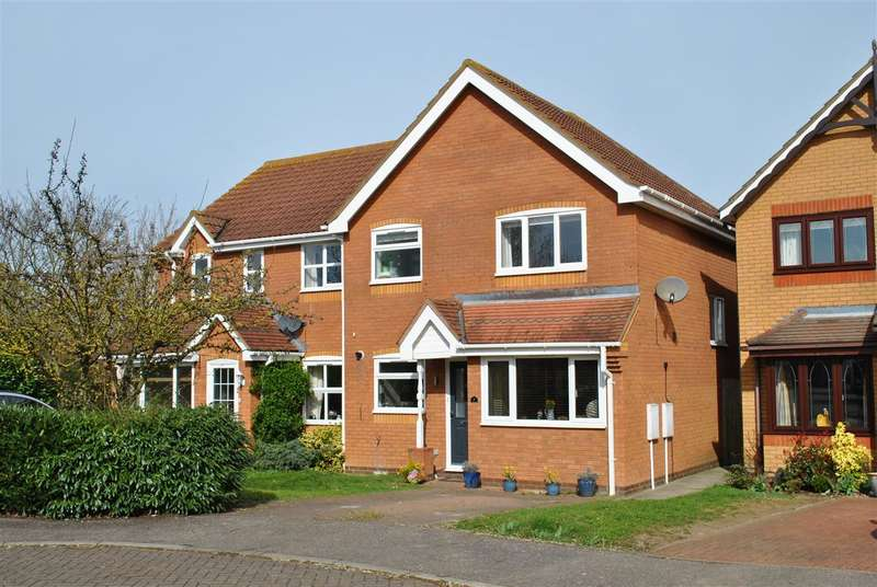 3 Bedrooms Semi Detached House for sale in Owen Drive, Royston