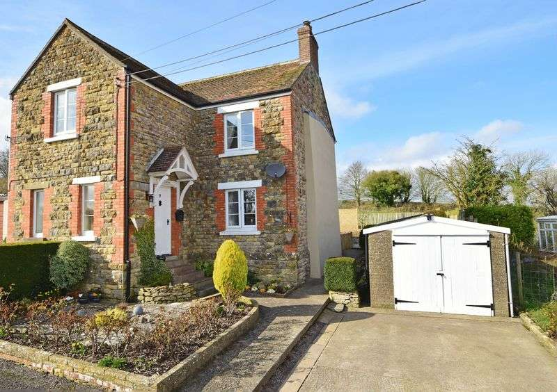 3 Bedrooms Semi Detached House for sale in Milborne Port, Somerset
