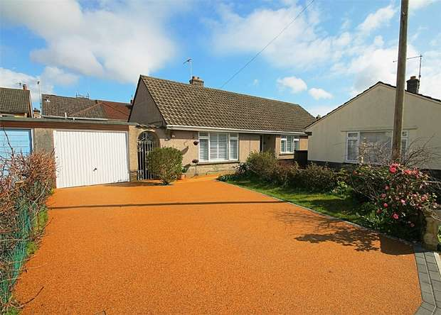 3 Bedrooms Detached Bungalow for sale in PEARSON AVENUE, Poole, Dorset