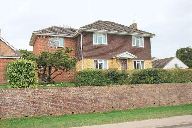 4 Bedrooms Detached House for sale in Woodland Way, Laverstock, Salisbury