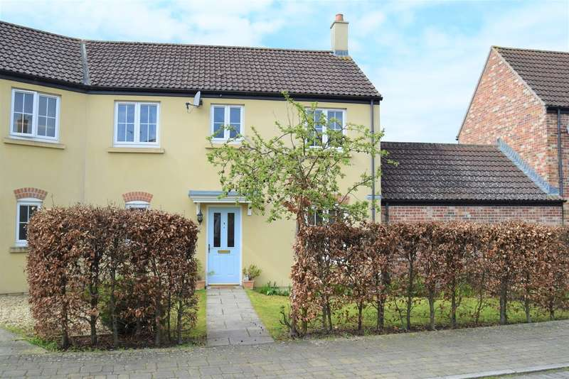 4 Bedrooms Semi Detached House for sale in Phoebe Way, Oakhurst
