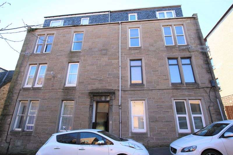 2 Bedrooms Flat for sale in Powrie Place, Dundee