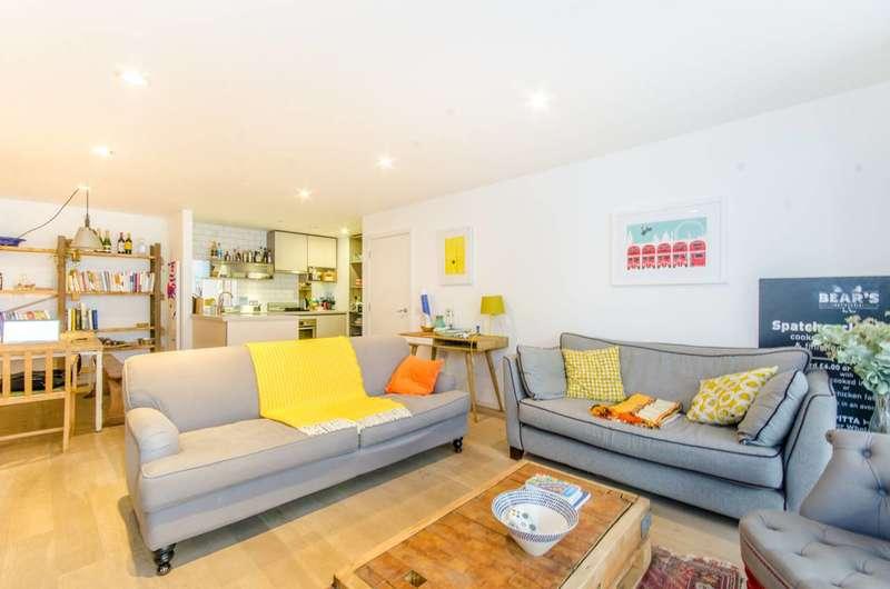 3 Bedrooms Flat for sale in Hertford Road, Islington, N1
