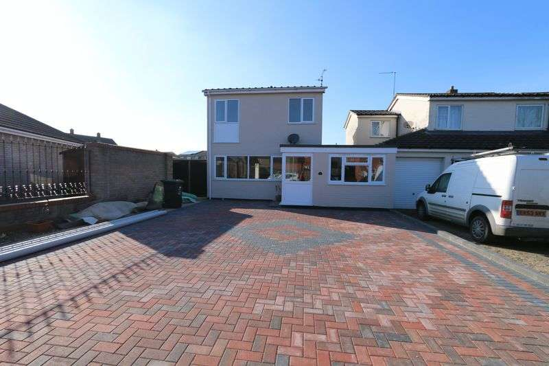 4 Bedrooms Detached House for sale in Meadow Court, Ely