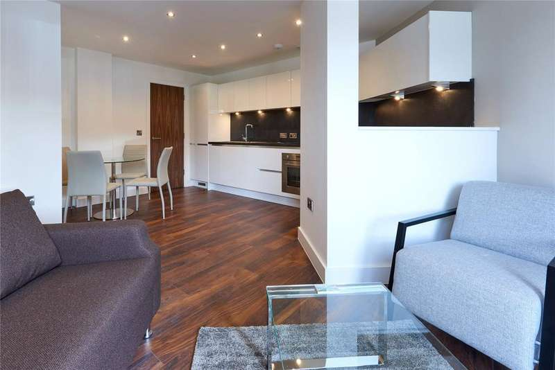 2 Bedrooms Mews House for rent in New Bridge Street, Manchester, Greater Manchester, M3