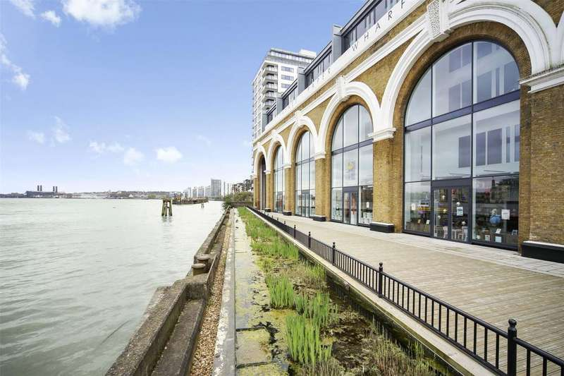2 Bedrooms Flat for sale in Wharf Street, London, SE8