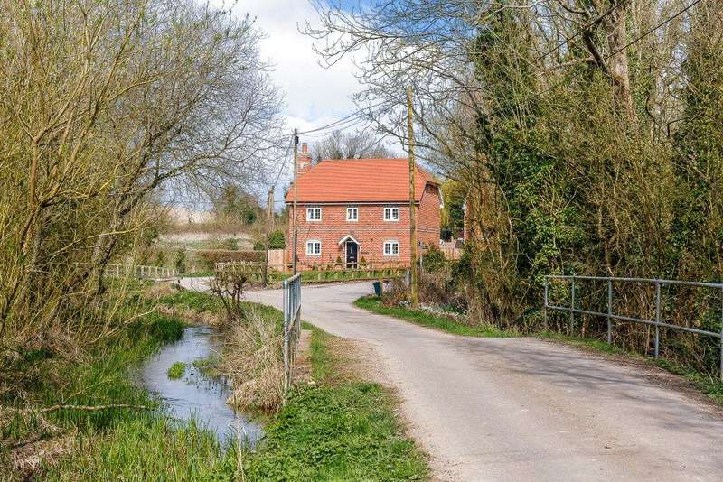 3 Bedrooms Detached House for sale in Grayling Lane, Weston, Newbury, Berkshire, RG20