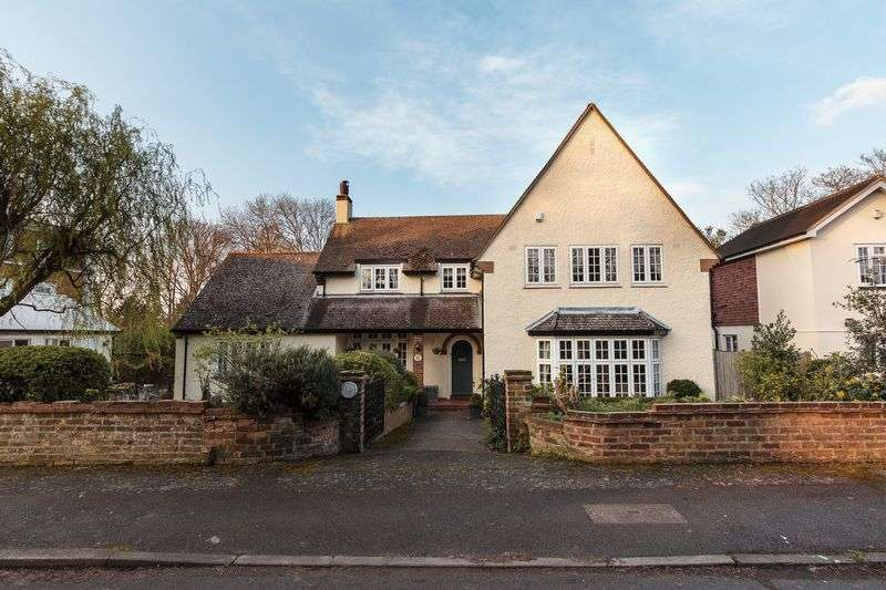 4 Bedrooms Detached House for sale in Church Walk, Wilmington