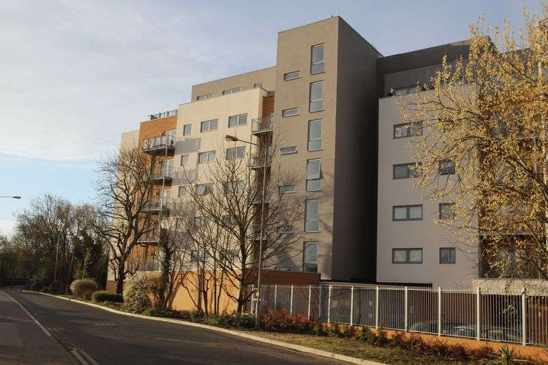 1 Bedroom Flat for sale in Orchid Court, Sovereign Way, Tonbridge