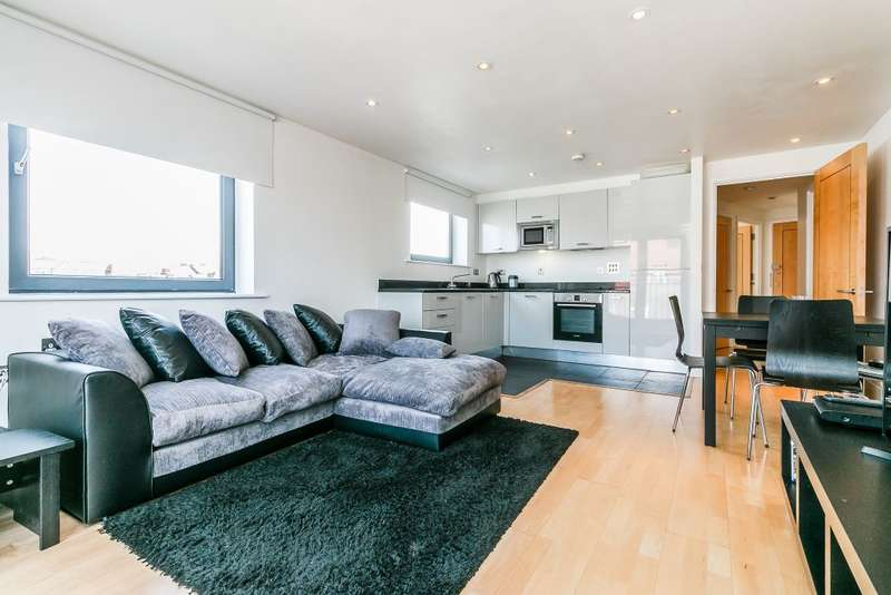 2 Bedrooms Flat for sale in Flat 13,London,england SW2 4QY