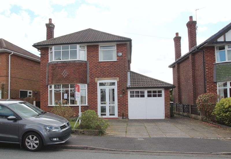 3 Bedrooms Detached House for sale in Harrisons Drive, Woodley