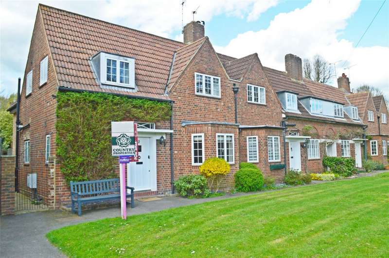 3 Bedrooms Semi Detached House for sale in Brockett Close, WELWYN GARDEN CITY, Hertfordshire
