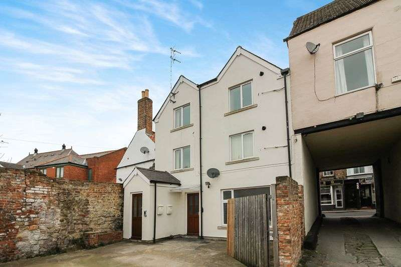 2 Bedrooms Flat for sale in Westgate, Ripon